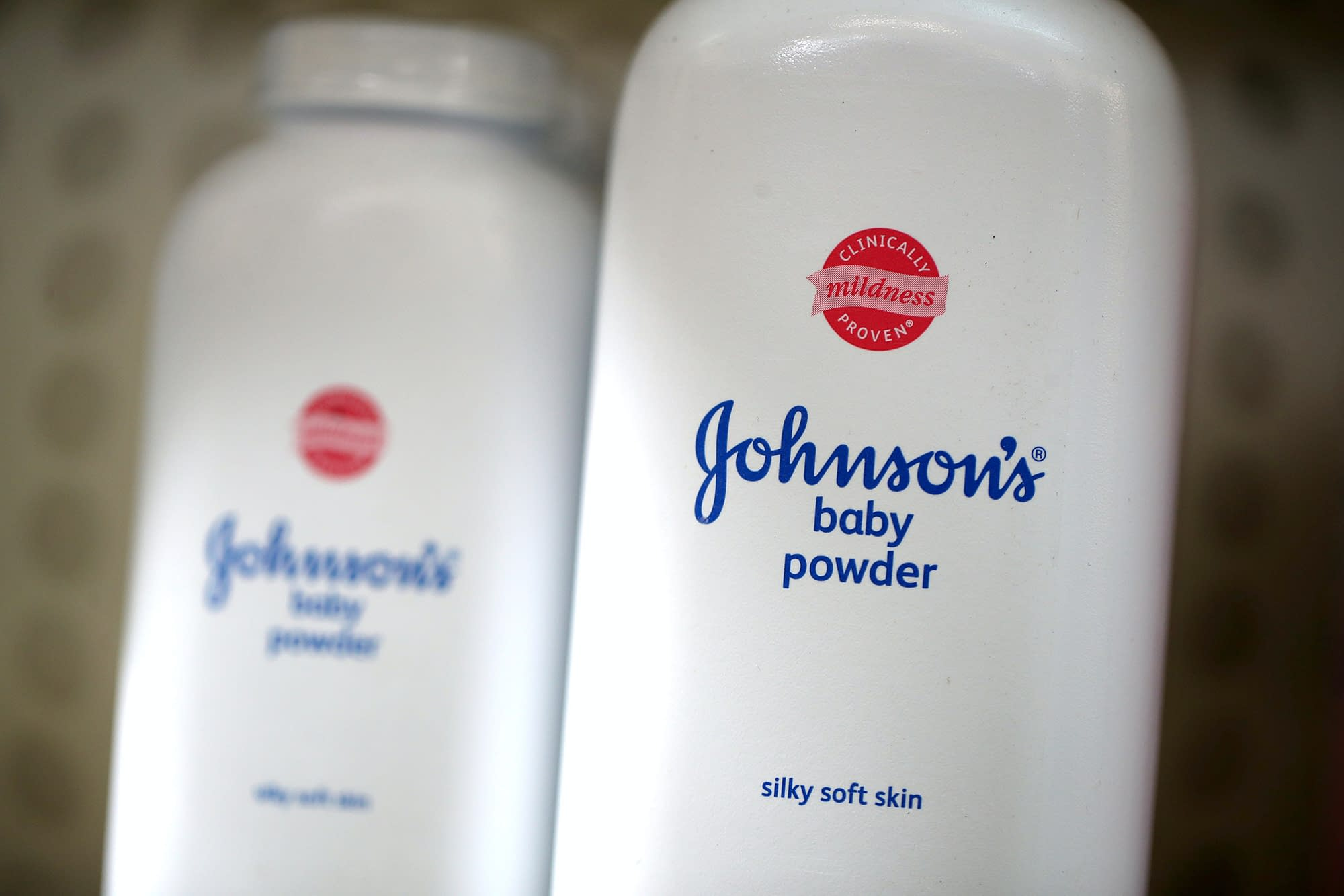 johnson talcum powder